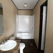 Fleetwood Berkshire 32483B Bathroom