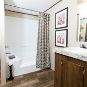 TRUMH SATISFACTION Mobile Home Master Bathroom